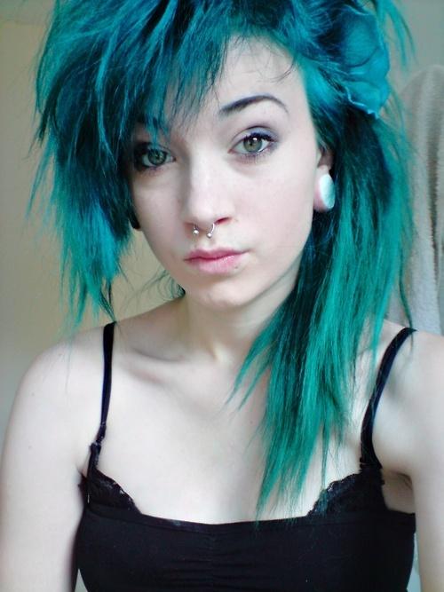 cheveux bleu vert couleur cheveux. Black Bedroom Furniture Sets. Home Design Ideas