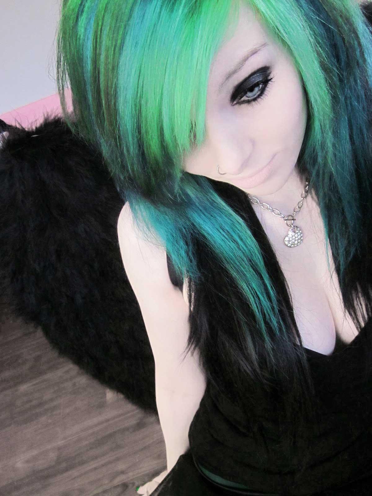 cheveux bleu vert 2