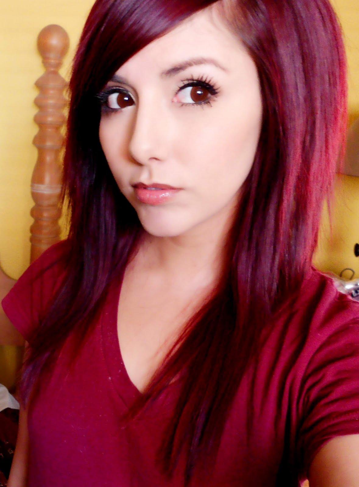 cheveux roux foncé